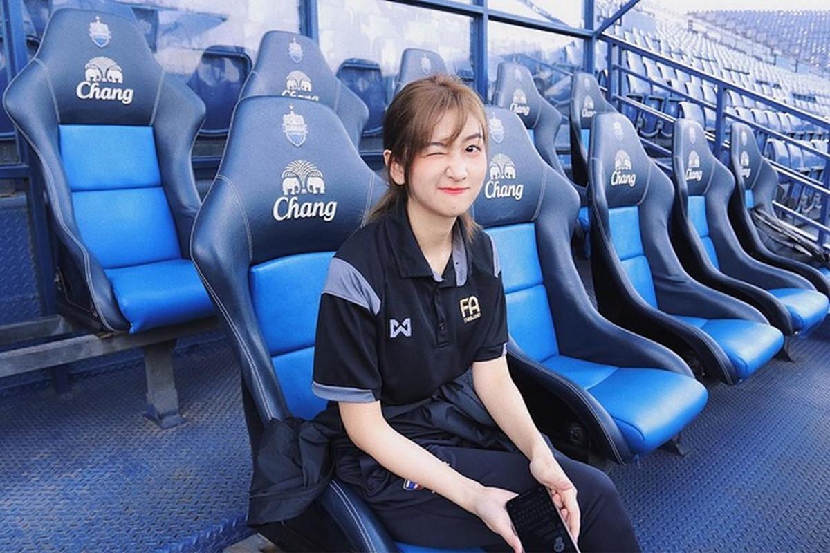 Nhan sac mien che cua hot girl dieu phoi vien cho U23 Viet Nam-Hinh-2