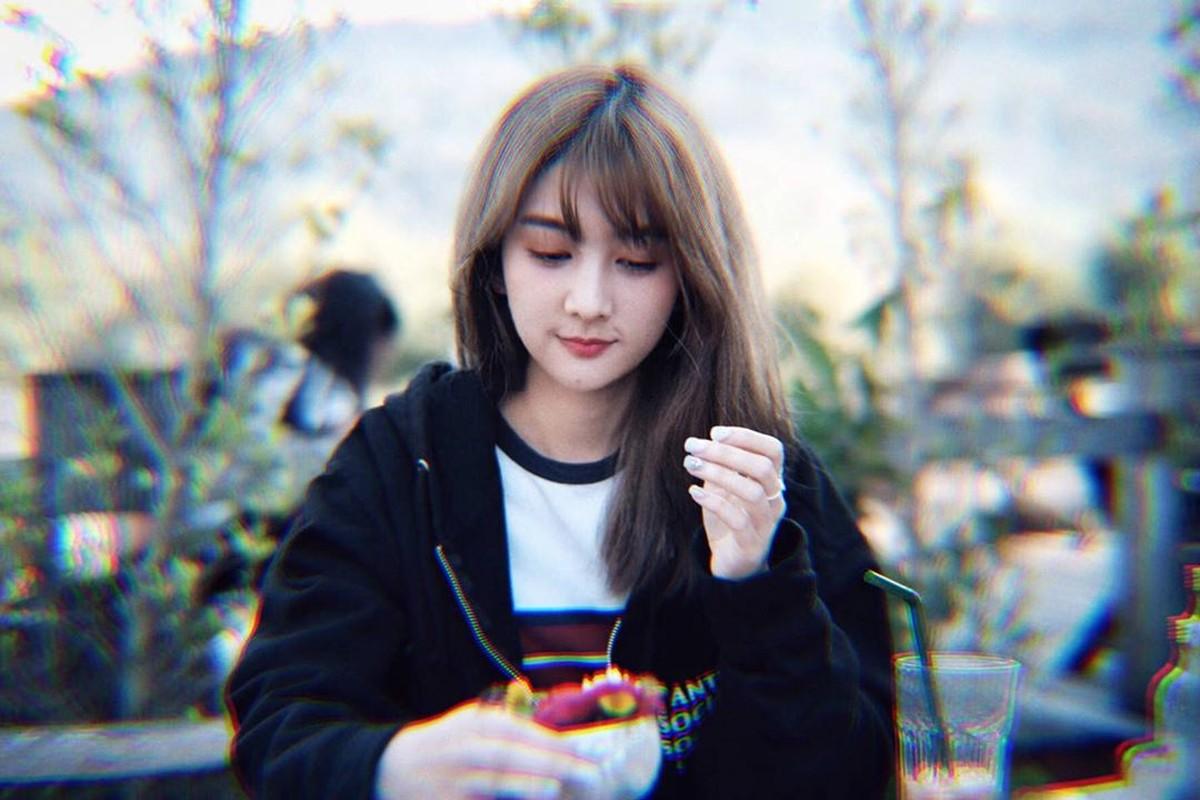 Nhan sac mien che cua hot girl dieu phoi vien cho U23 Viet Nam-Hinh-4