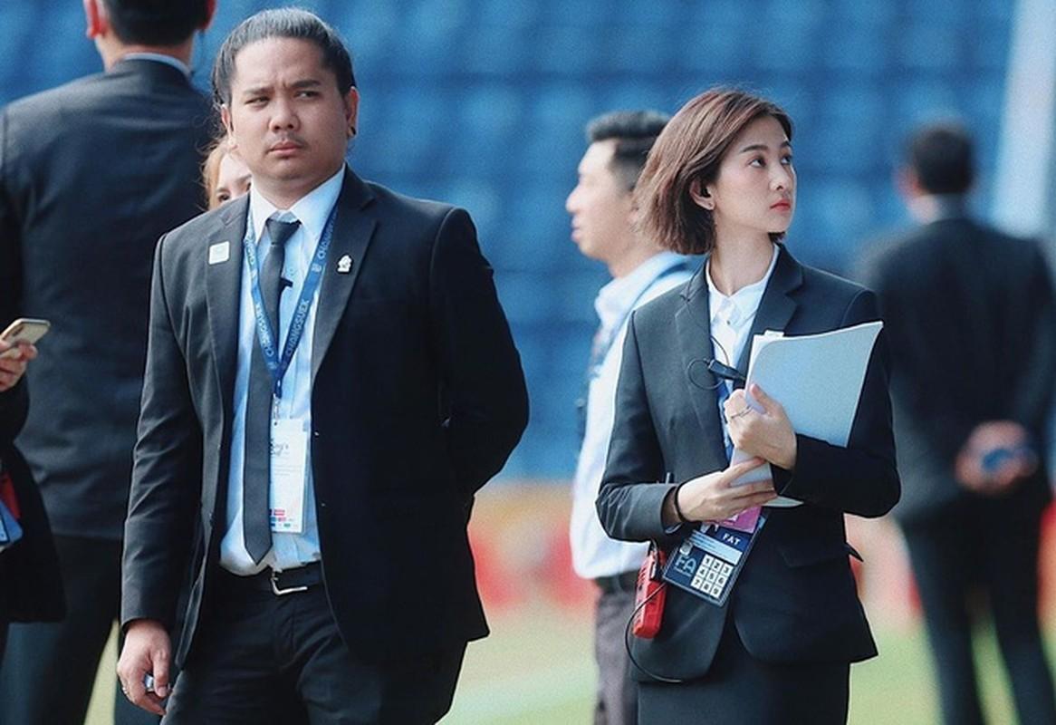 Nhan sac mien che cua hot girl dieu phoi vien cho U23 Viet Nam
