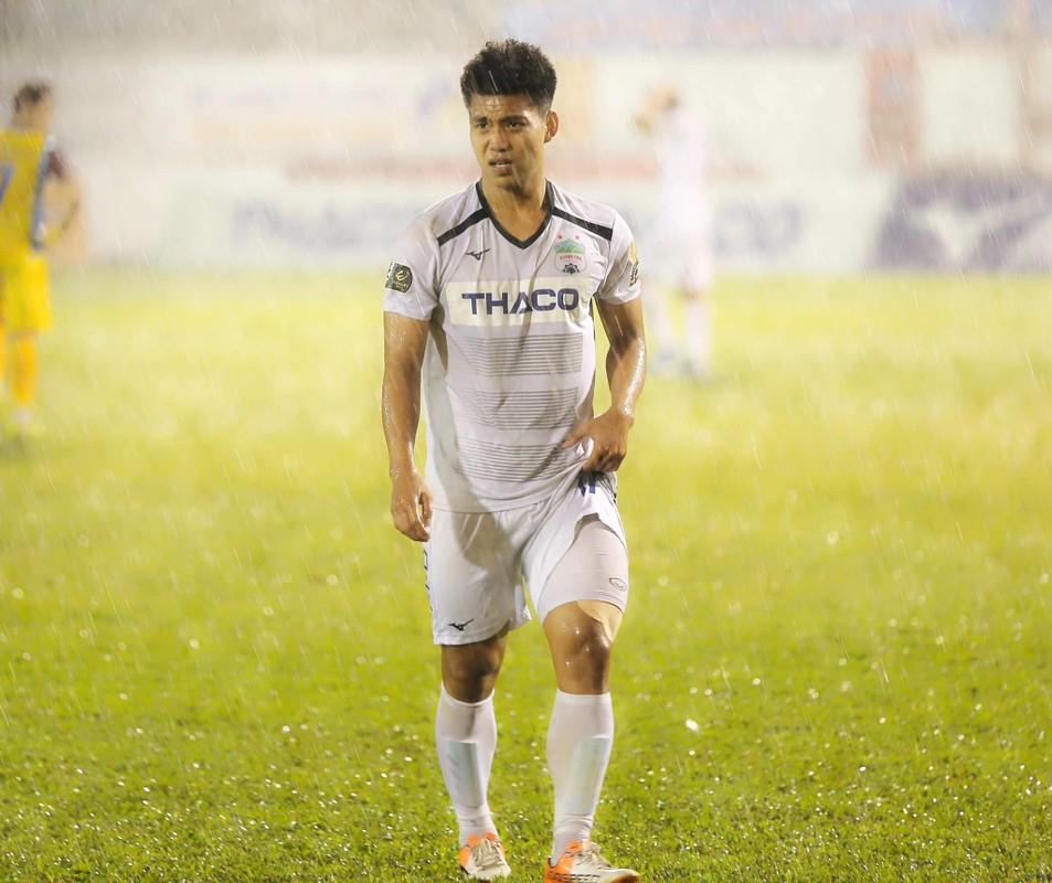 U23 Viet Nam: Thuong Chau nam ay nguoi chan thuong ke ngap phot tinh ai-Hinh-4