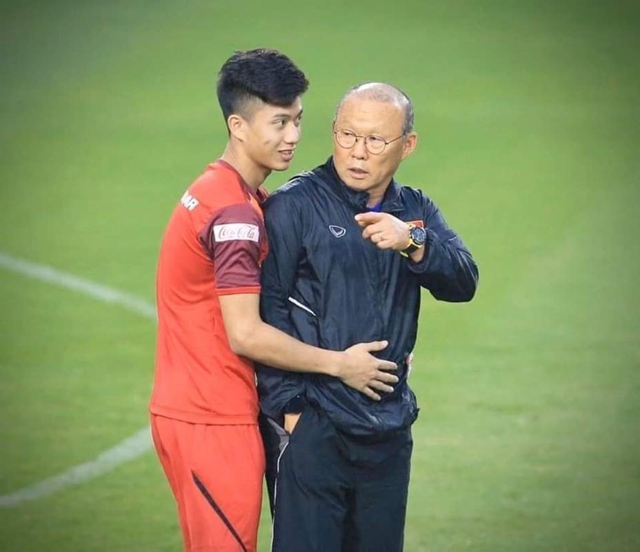 U23 Viet Nam: Thuong Chau nam ay nguoi chan thuong ke ngap phot tinh ai-Hinh-7