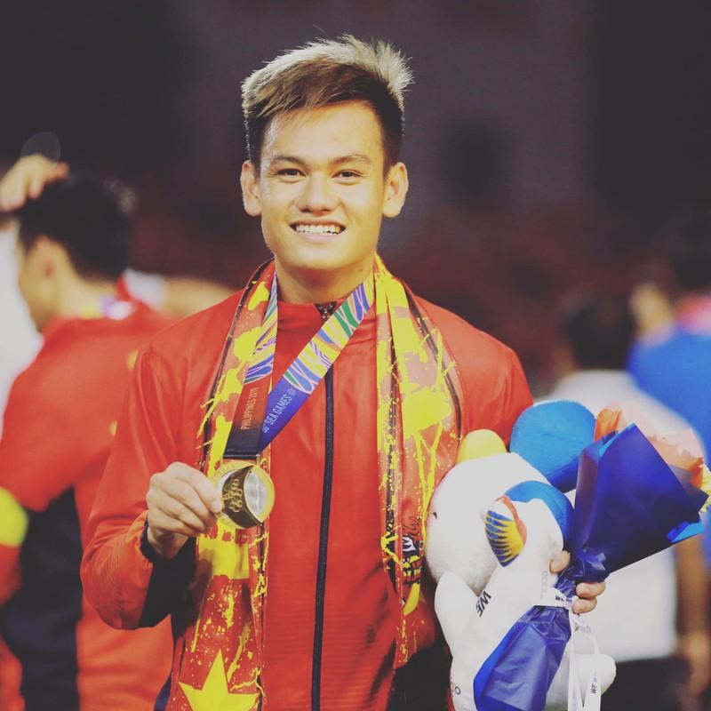 Cau thu U23 Viet Nam bi phat so huu body van nguoi me-Hinh-3