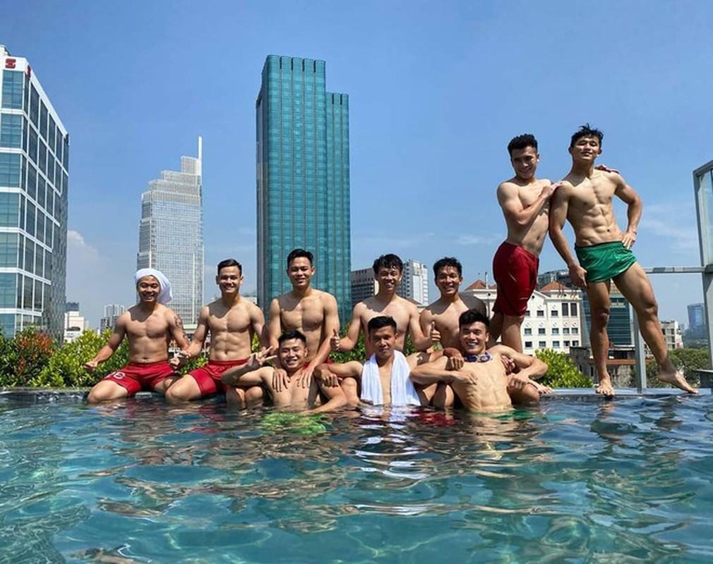 Cau thu U23 Viet Nam bi phat so huu body van nguoi me-Hinh-7