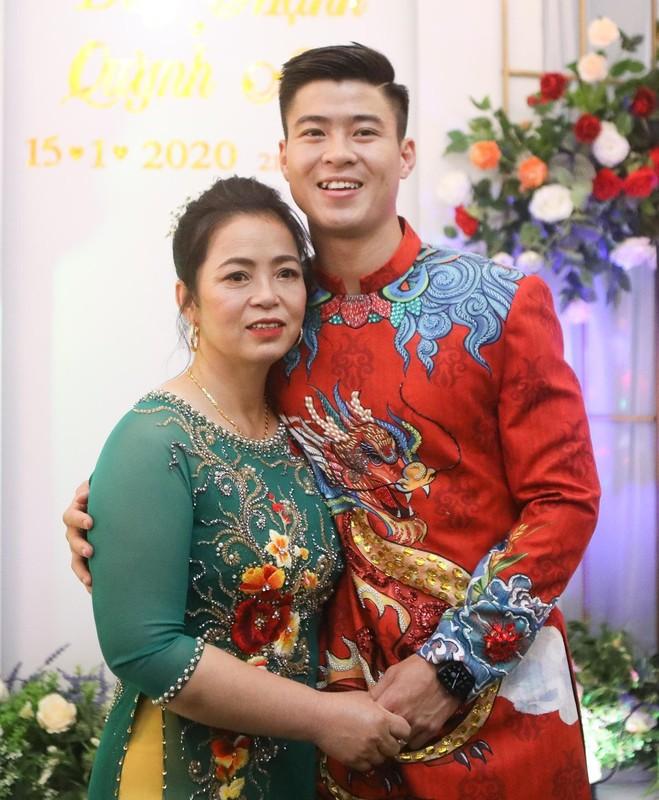 Xuan Truong gay bat ngo khi co mat tai dam hoi cua Duy Manh-Hinh-6