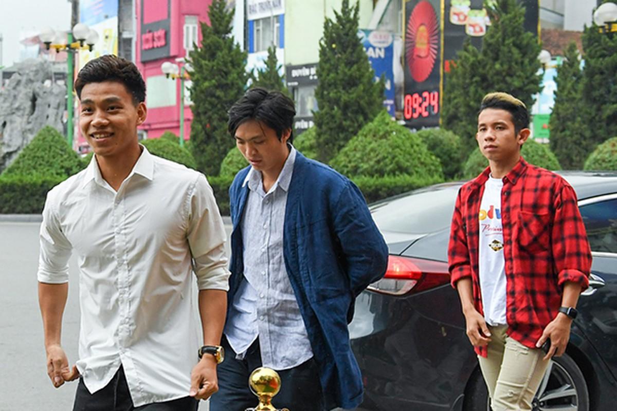 Xuan Truong gay bat ngo khi co mat tai dam hoi cua Duy Manh-Hinh-7