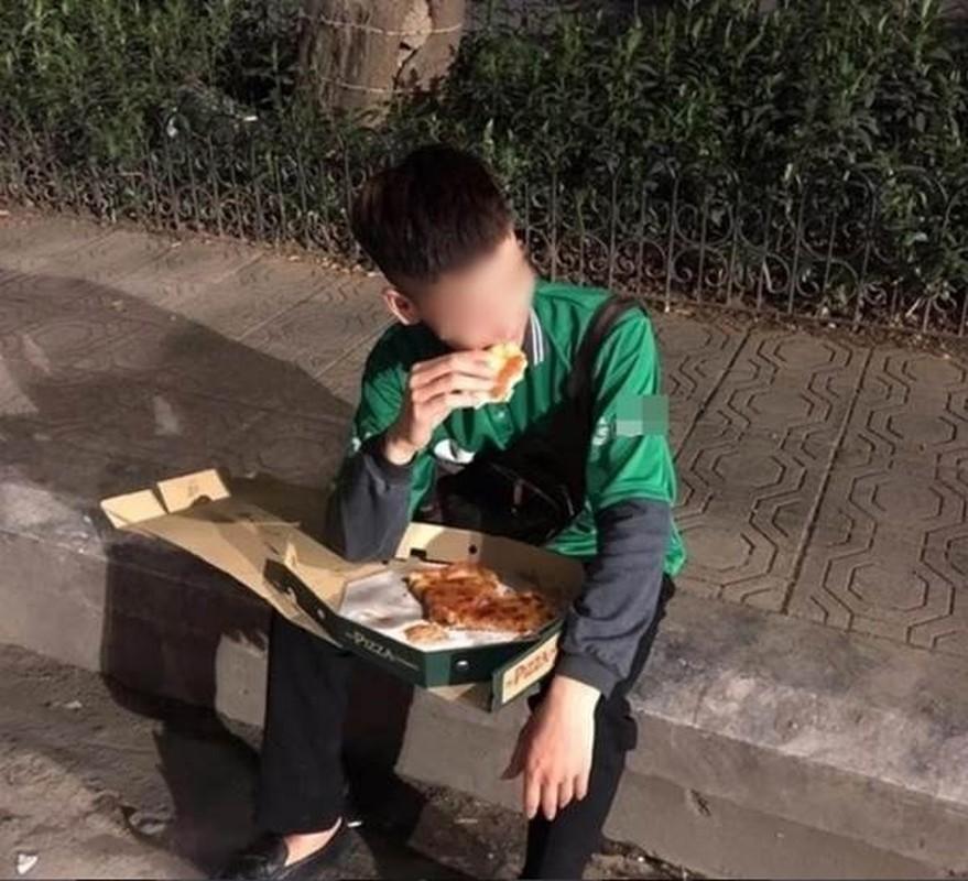 Dau long shipper bi bom hang, ngam ngui ngoi an pizza tren via he