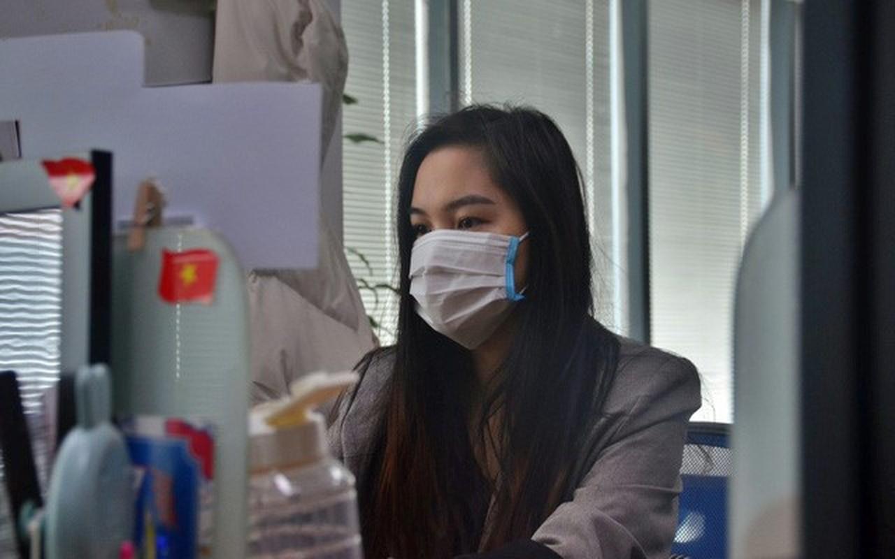 Li xi mua virus corona: Nguoi nguoi thi nhau khoe khau trang-Hinh-3