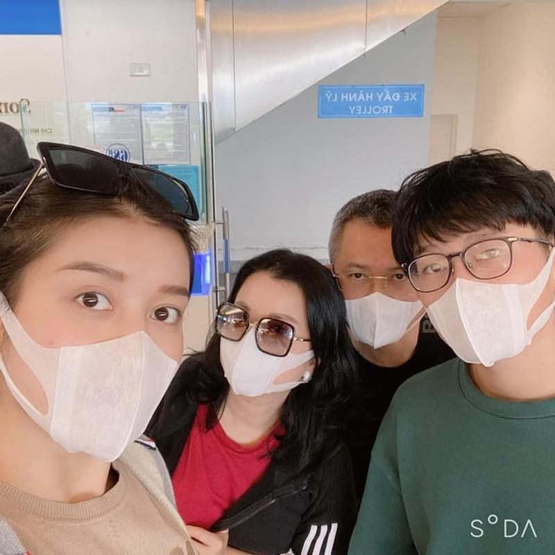 Li xi mua virus corona: Nguoi nguoi thi nhau khoe khau trang-Hinh-5
