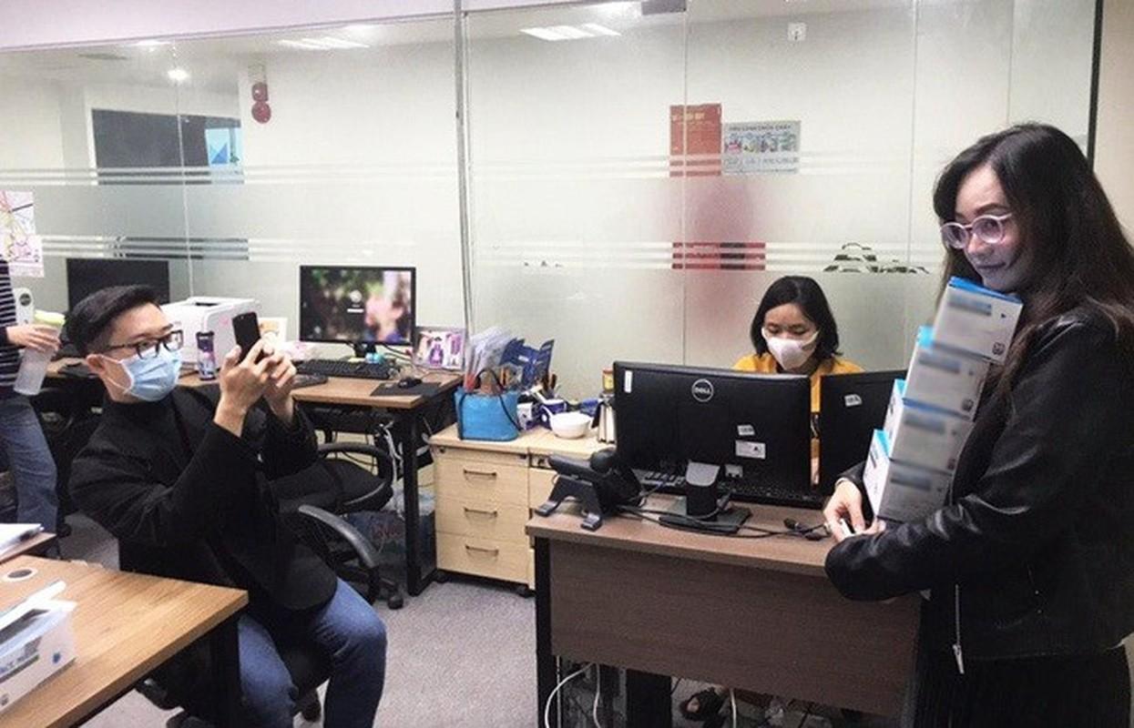 Li xi mua virus corona: Nguoi nguoi thi nhau khoe khau trang-Hinh-6
