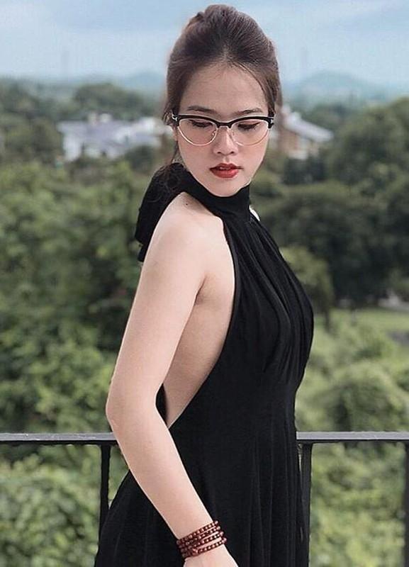 Khong chi vo Phan Van Duc, ban gai Quang Hai cung lo nhan sac that het hon-Hinh-5