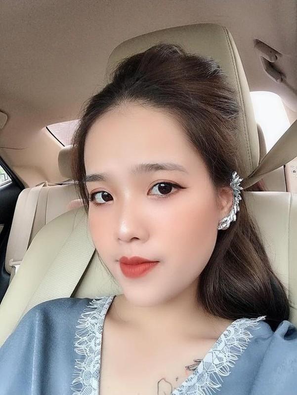 Khong chi vo Phan Van Duc, ban gai Quang Hai cung lo nhan sac that het hon-Hinh-9