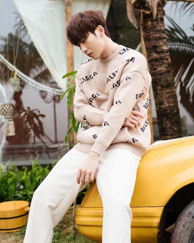Soi body khung cua hot boy lien tuc bi nham la trai Han-Hinh-2