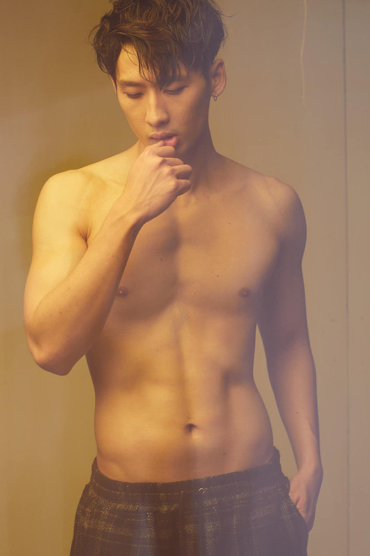 Soi body khung cua hot boy lien tuc bi nham la trai Han-Hinh-5