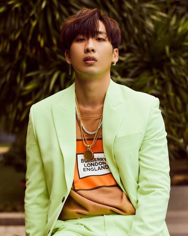 Soi body khung cua hot boy lien tuc bi nham la trai Han-Hinh-9