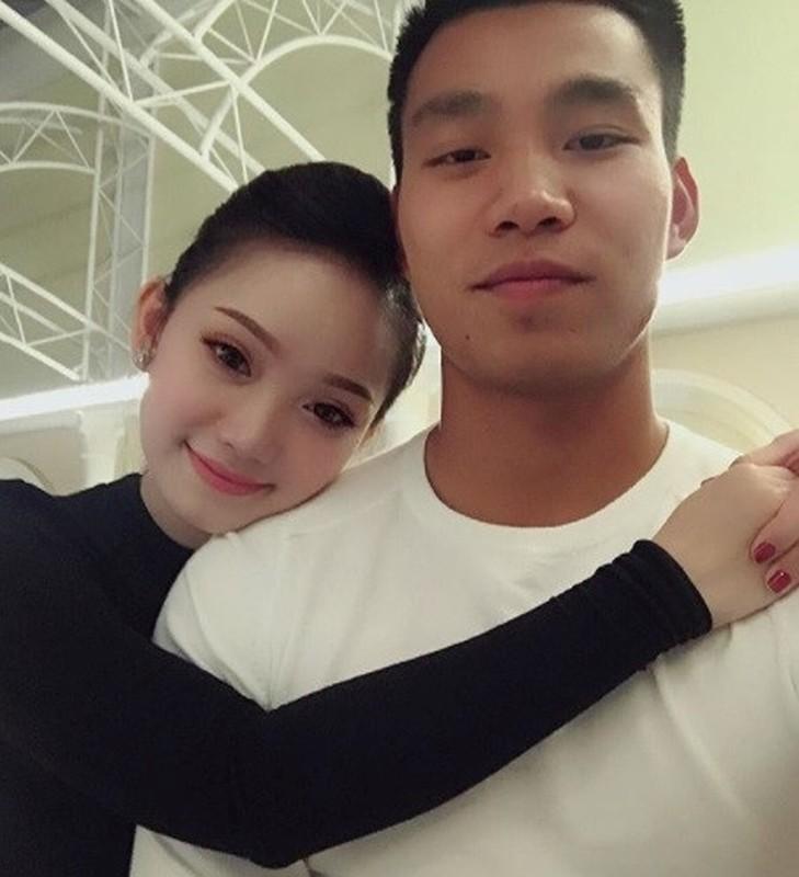 Vo Duy Manh va dan WAGs khoe thu nhap khung hon chong-Hinh-8