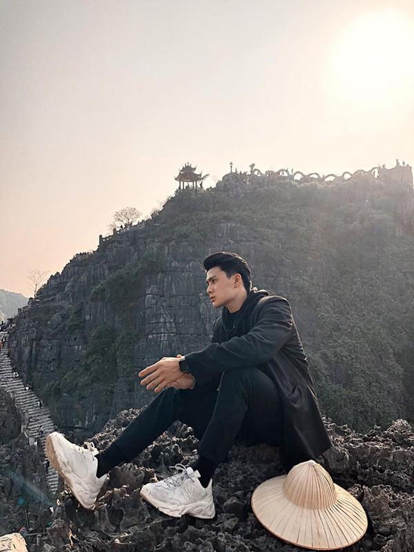 Khoe anh qua tinh tai Ninh Binh, chang trai duoc truy tim gap-Hinh-2