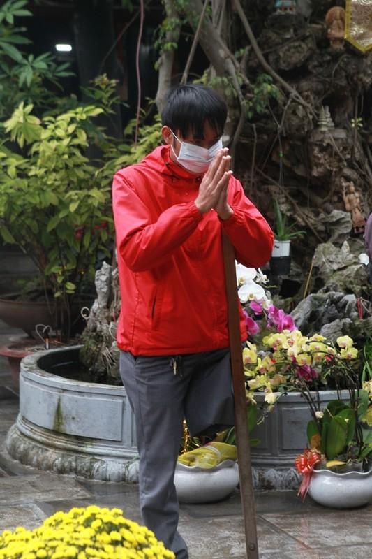 Ha Noi: Chua Ha dong kin nguoi di le Ram thang gieng-Hinh-6