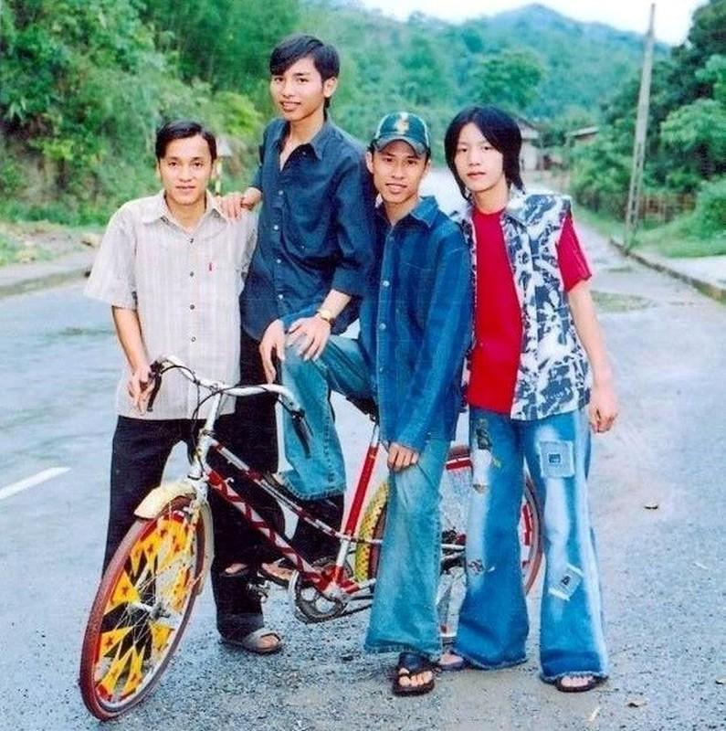 Rich Kid thoi bo me ta: Di xe honda, mac quan ong loe dao pho-Hinh-7