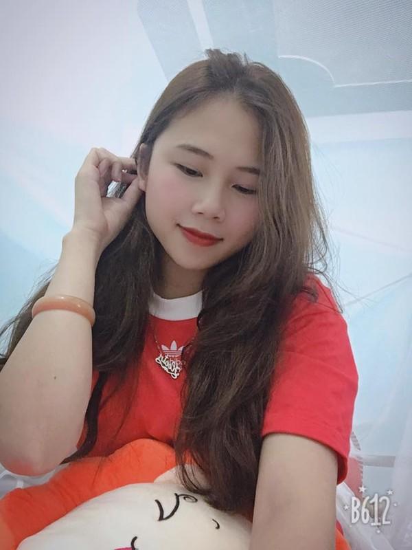 """Ban gai Dinh Trong: Nang WAGs """"sach phot"""", xinh xan va kin tieng-Hinh-6"""