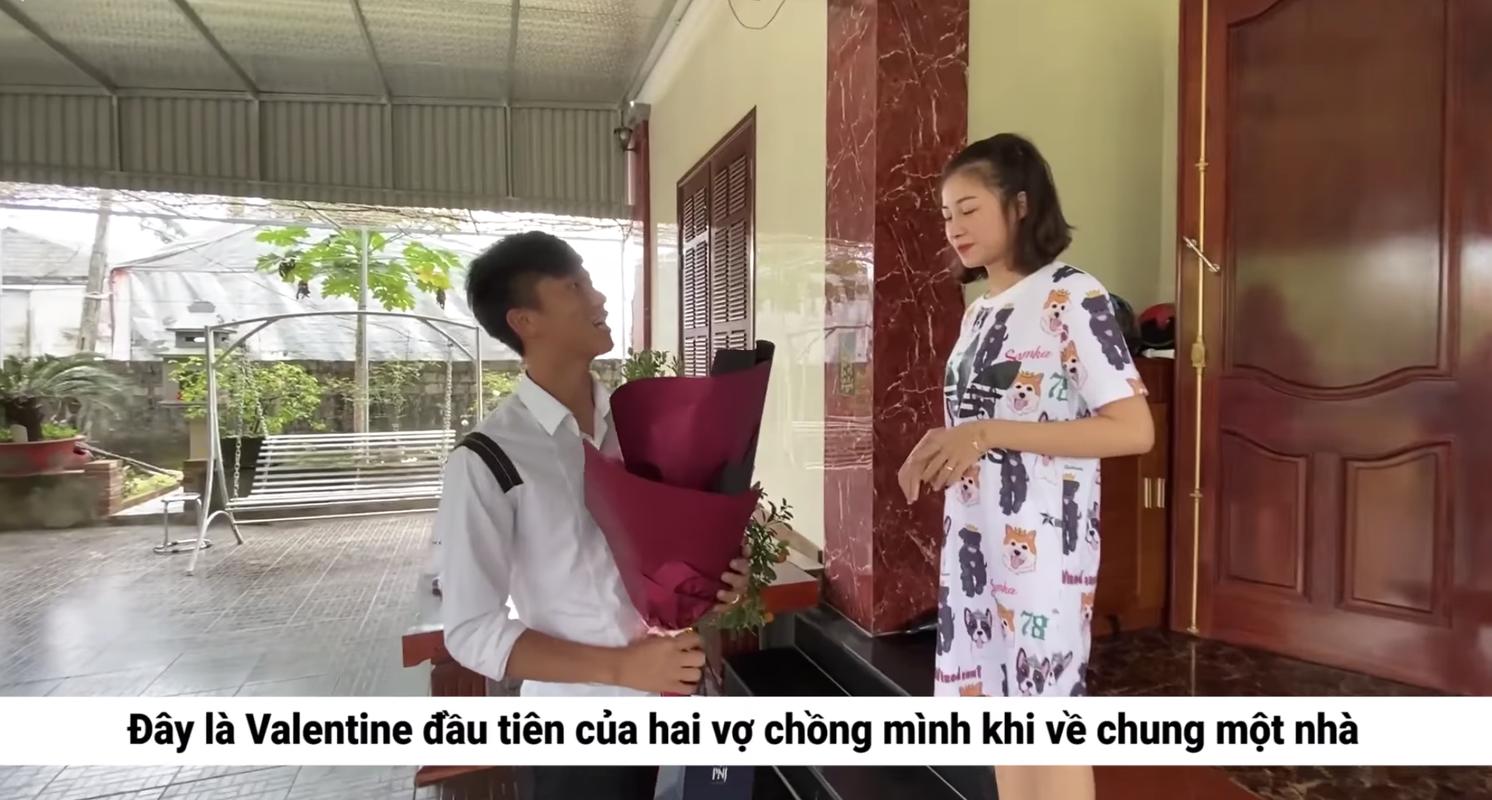 Hoc vo chong Duy Manh, vo chong Phan Van Duc cung lam vlog nhu ai-Hinh-2