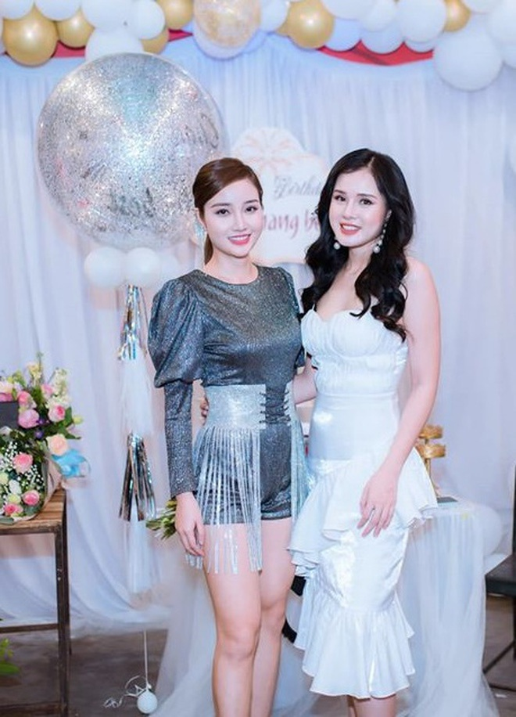 Ban trai cu Yen Xuan khoe anh hanh phuc ben ban gai xinh dep-Hinh-5