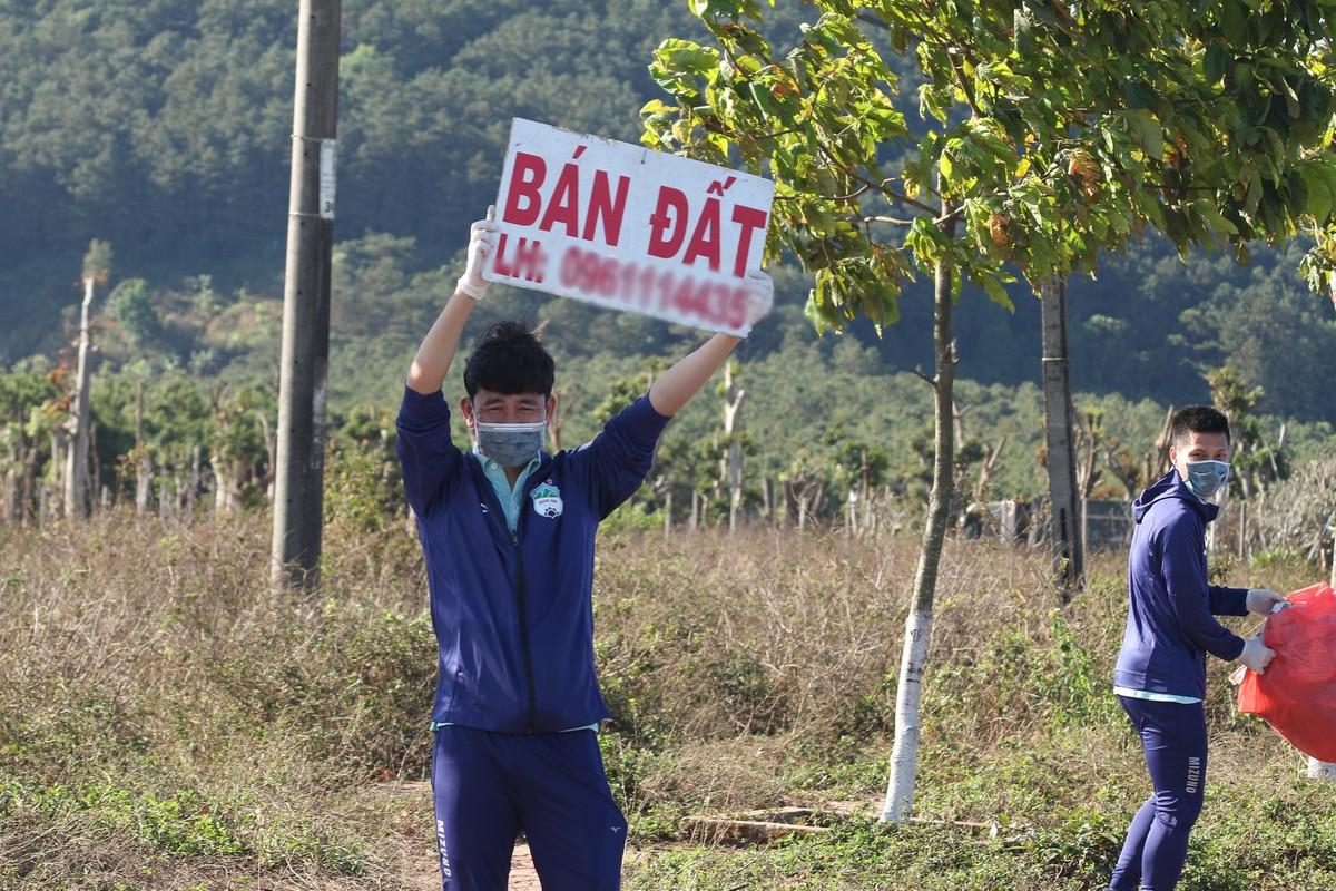 Dan cau thu HAGL di nhat rac van phai tao than thai chuan soai ca-Hinh-9