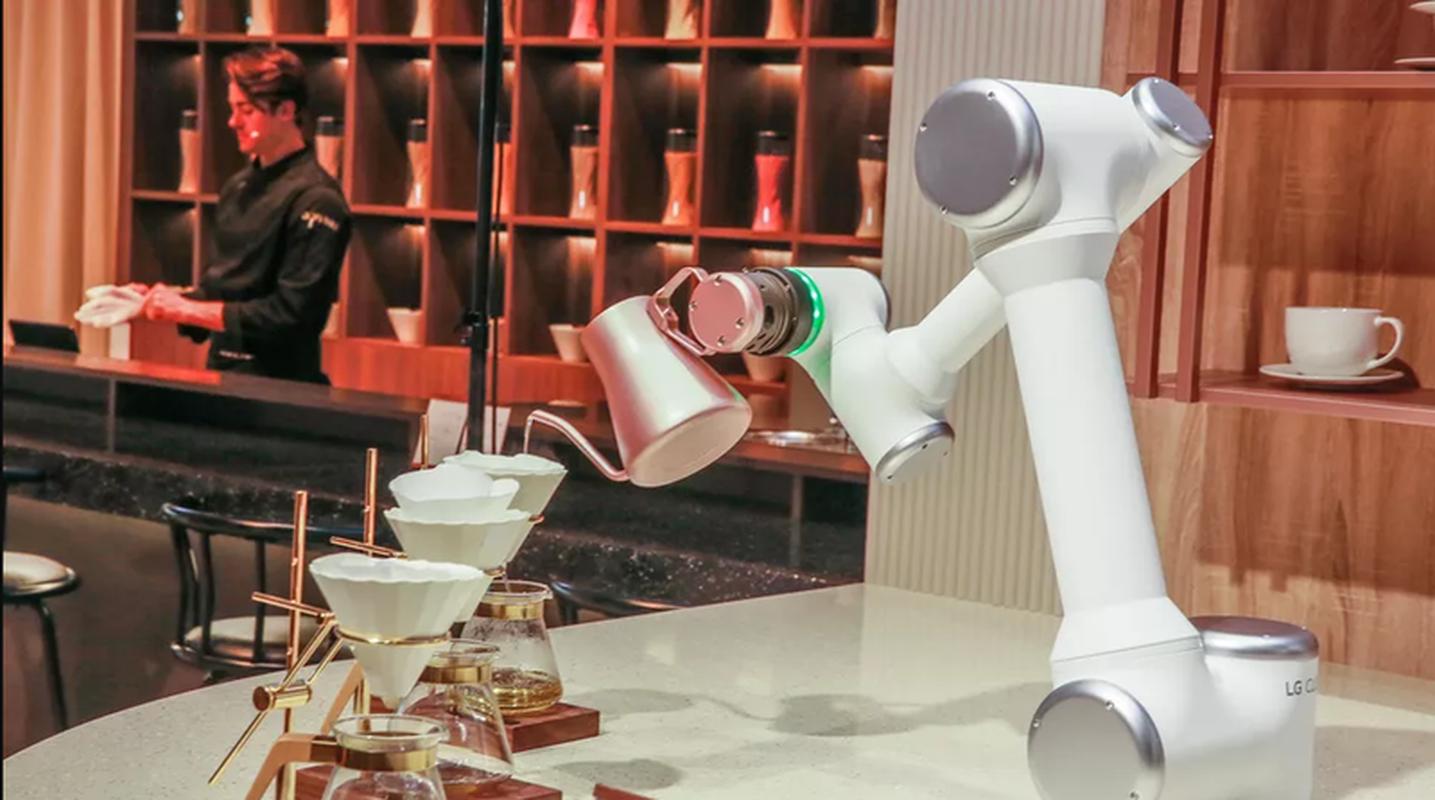 Nha hang thoi hien dai: Van hanh hoan toan bang robot-Hinh-2