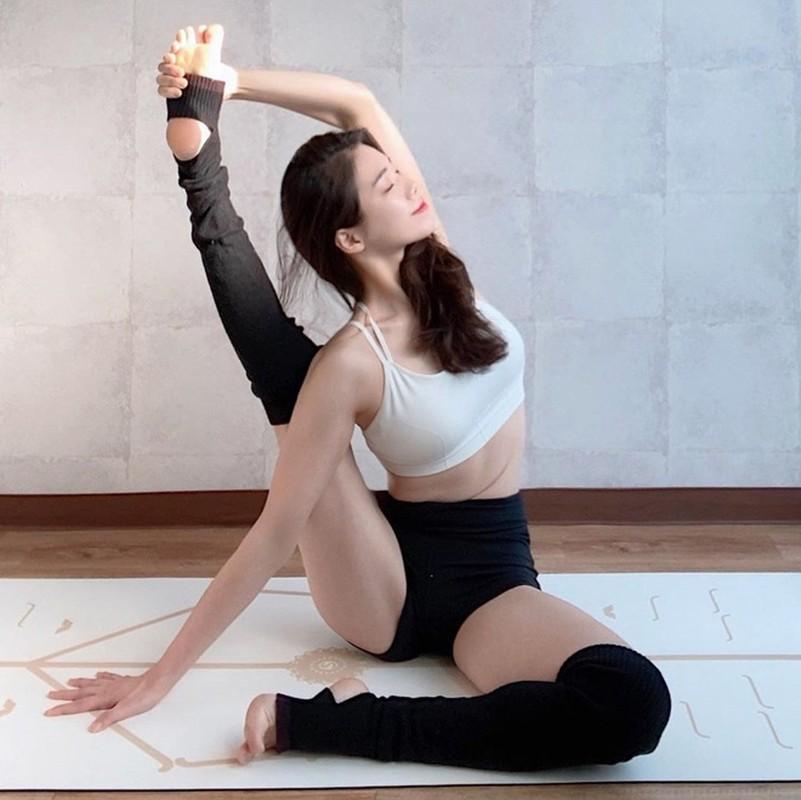 Giao vien yoga Han Quoc co body chuan nhung guong mat moi dang chu y-Hinh-3