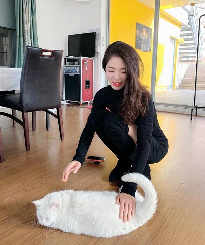 Giao vien yoga Han Quoc co body chuan nhung guong mat moi dang chu y-Hinh-8