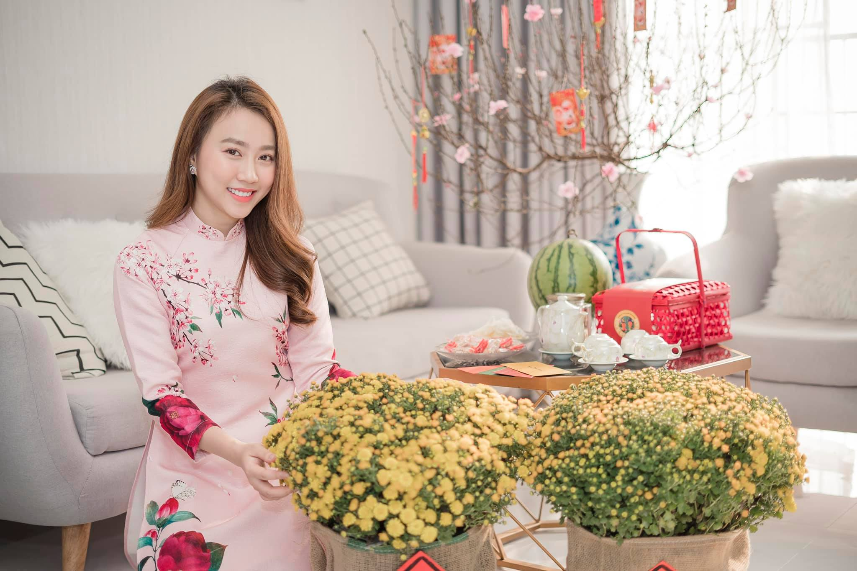Zoom ky nhan sac nu dien vien vua xac nhan hen ho voi Tien Linh-Hinh-8