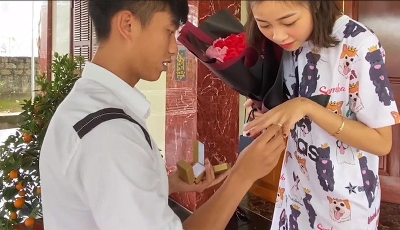 Vo Phan Van Duc ke chuyen mang thai duoc chong chieu nhu tien-Hinh-4