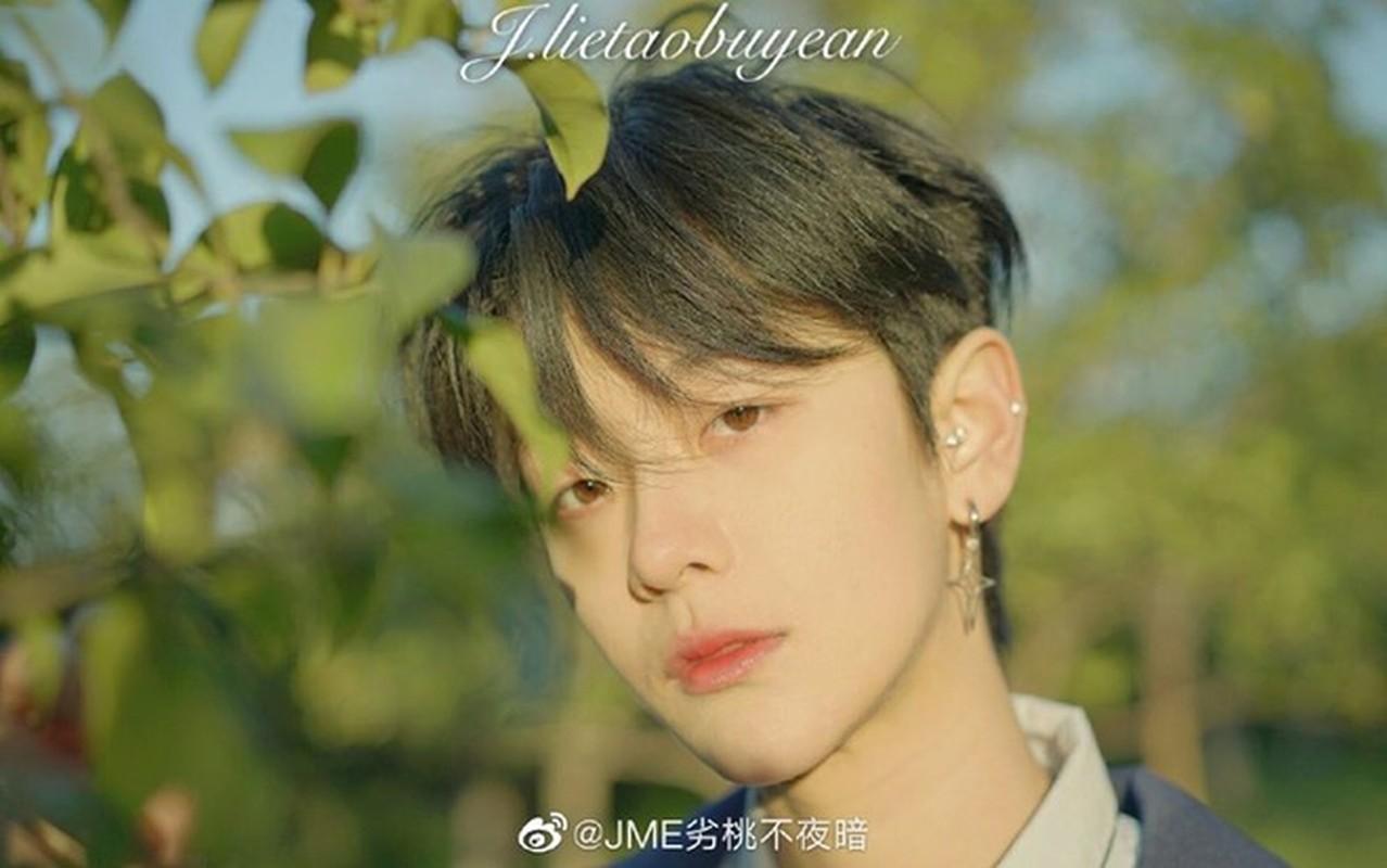 Dep phi gioi tinh, co gai xu Trung thuong bi nham la hot boy-Hinh-5