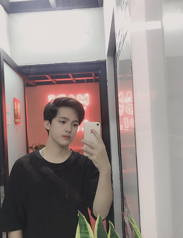 Hot boy Hai Duong so huu goc nghieng than thanh duoc san lung la ai?-Hinh-6