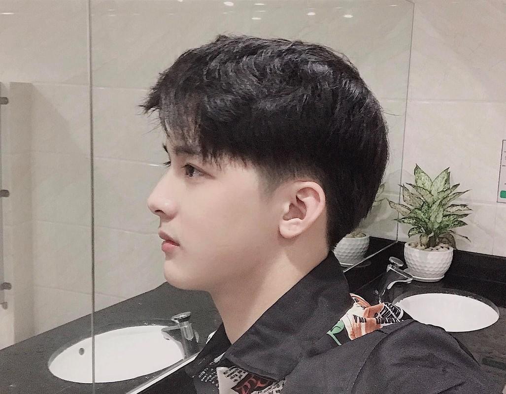 Hot boy Hai Duong so huu goc nghieng than thanh duoc san lung la ai?-Hinh-7