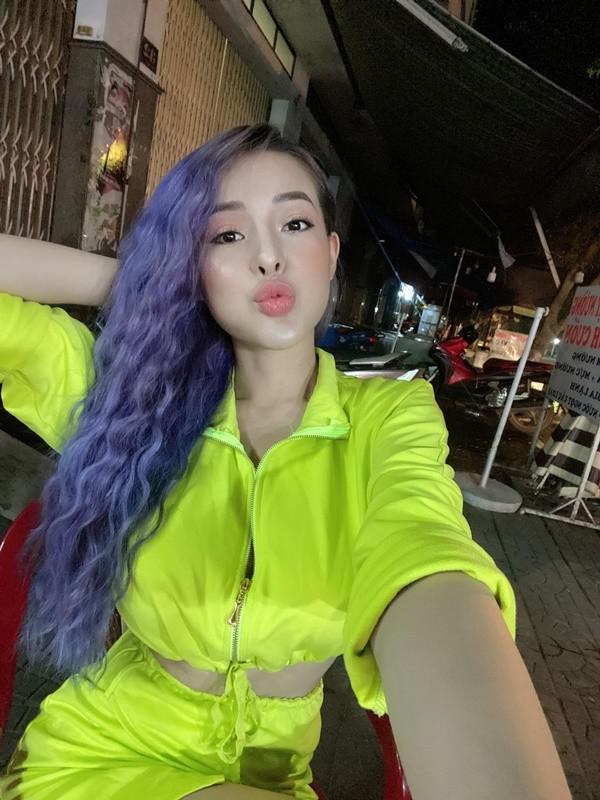 Hot girl tai tieng Ngan 98 lan dau duoc dan tinh khen vi dieu nay-Hinh-2