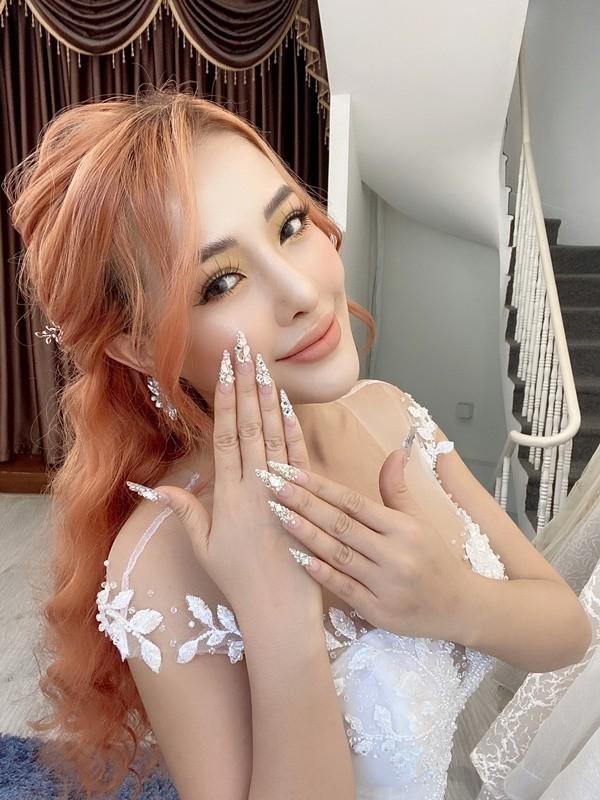 Hot girl tai tieng Ngan 98 lan dau duoc dan tinh khen vi dieu nay-Hinh-4