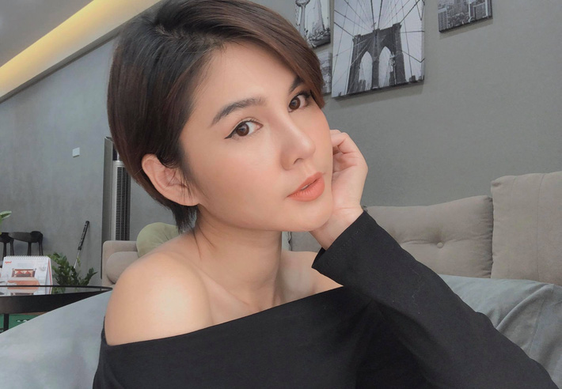 "Cach ly toan xa hoi, MC Thu Hoai quyet choi lon"" xem dan mang co tram tro-Hinh-3"