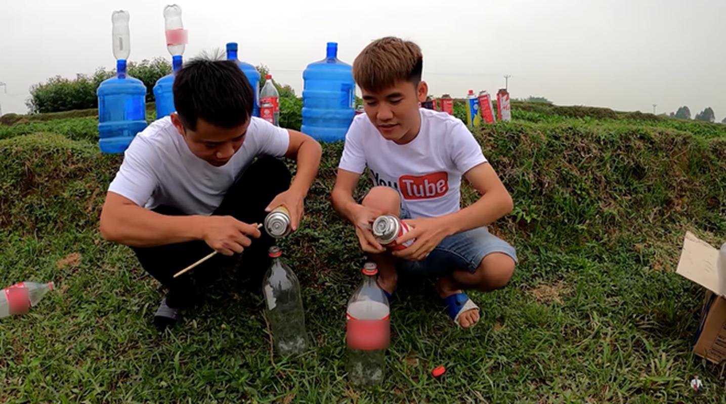 "Con trai ba Tan Vlog khien dan mang phat cau vi ""nghich ngu""-Hinh-4"