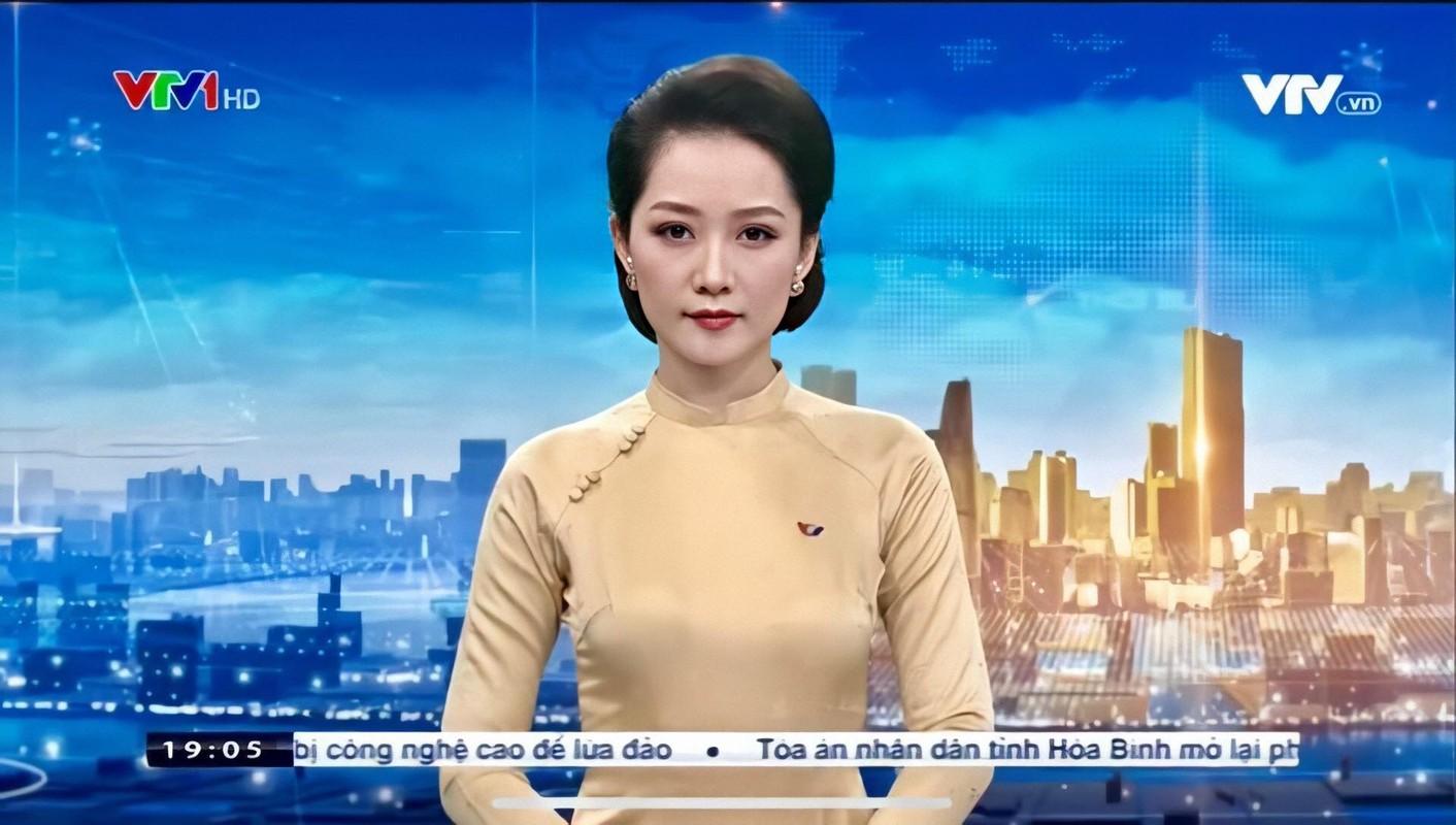 Nu BTV thoi su khien dan mang dang ban cung phai bat TV khi den gio-Hinh-2