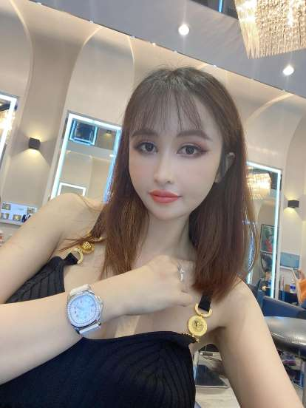 """Vo hai Minh Nhua khoe nhan sac, ngay cang giong """"hot girl mat ran""""-Hinh-7"""