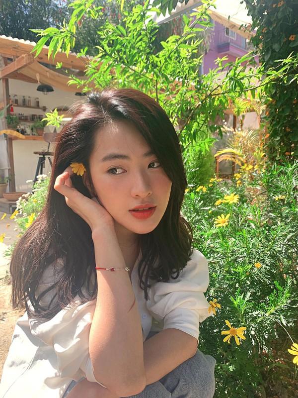 Hot girl Tik Tok lam loan MXH vi qua xinh, tuong ai hoa nguoi quen-Hinh-2