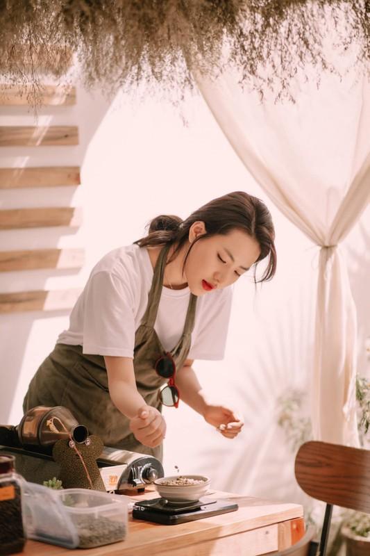 Hot girl Tik Tok lam loan MXH vi qua xinh, tuong ai hoa nguoi quen-Hinh-3