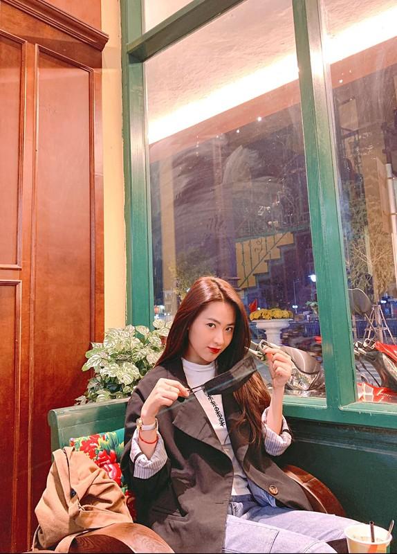Hot girl Tik Tok lam loan MXH vi qua xinh, tuong ai hoa nguoi quen-Hinh-5
