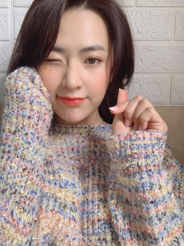 Hot girl Tik Tok lam loan MXH vi qua xinh, tuong ai hoa nguoi quen-Hinh-6