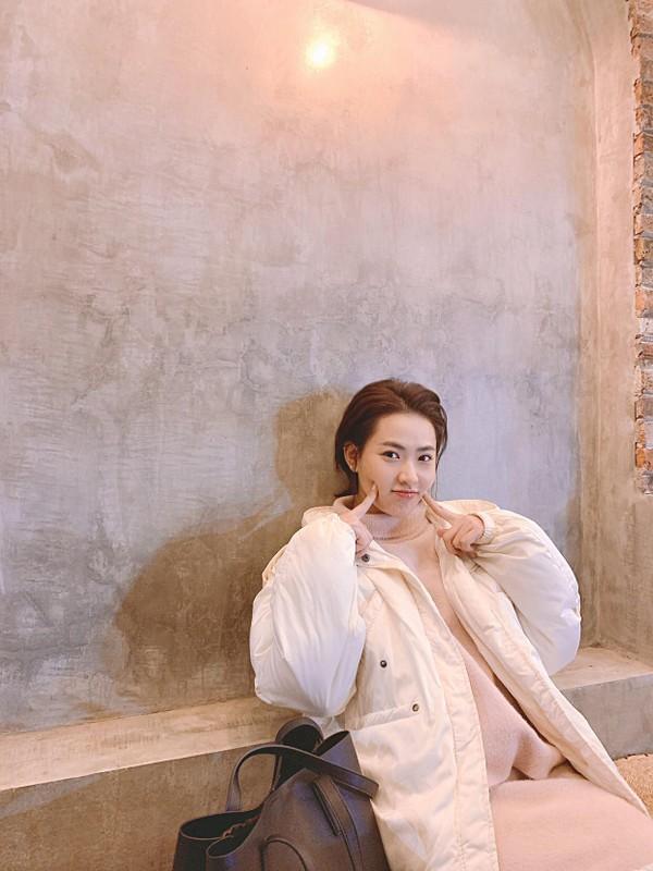 Hot girl Tik Tok lam loan MXH vi qua xinh, tuong ai hoa nguoi quen-Hinh-9