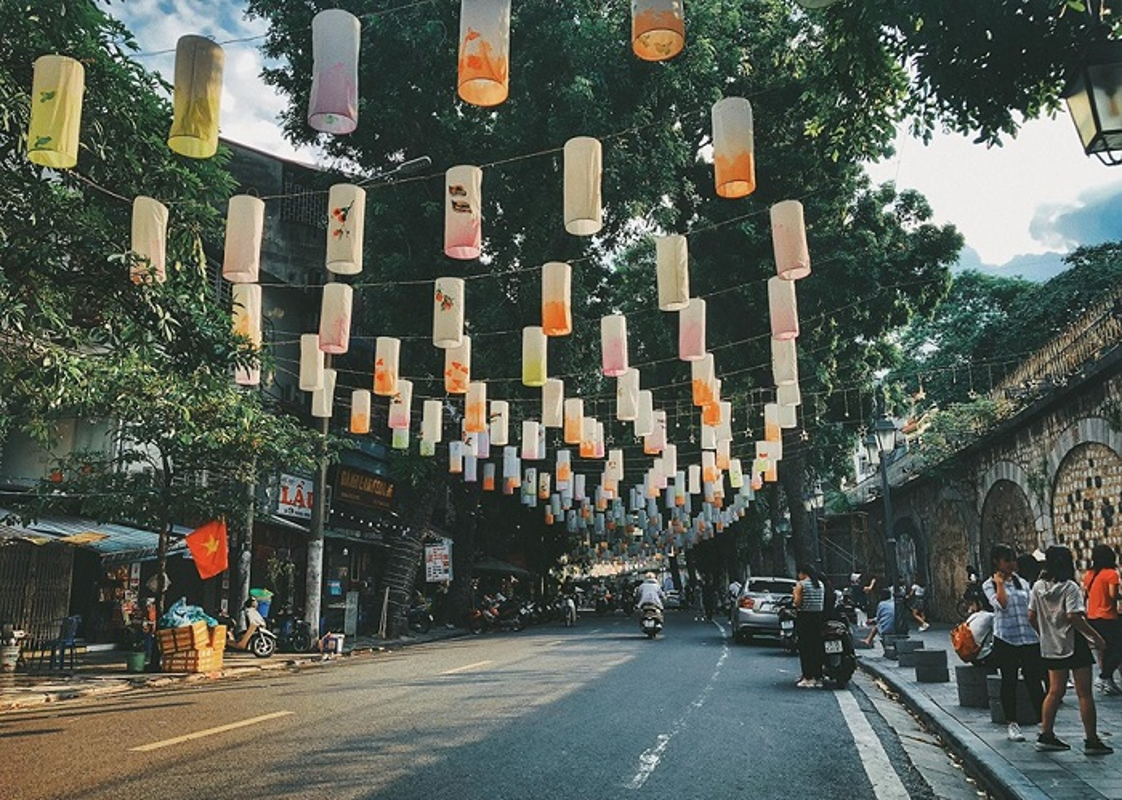 """""""Mach"""" teen Viet diem an choi, song ao dip 30/4 tuyet dep quanh Ha Noi-Hinh-4"""
