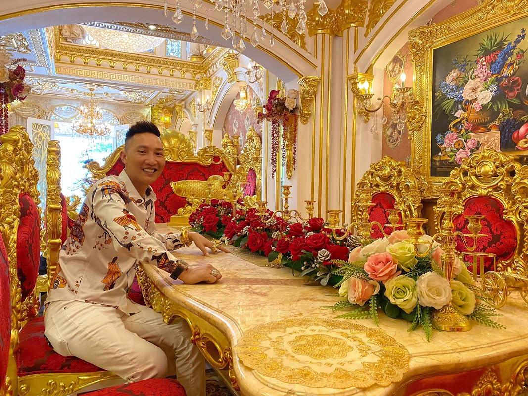 Ra sach, giang ho mang Huan Hoa Hong bi chi trich khong tiec loi-Hinh-11