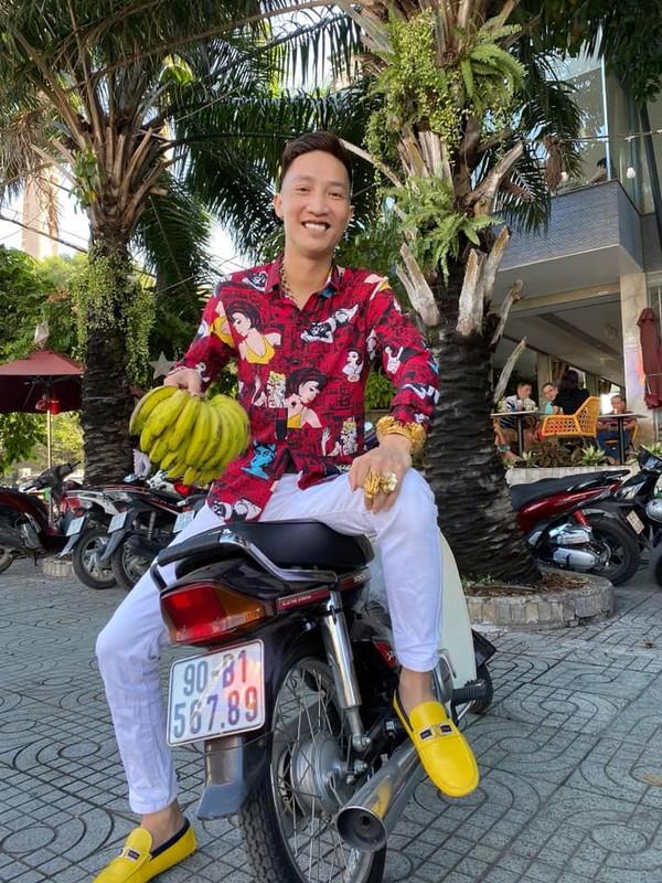 Ra sach, giang ho mang Huan Hoa Hong bi chi trich khong tiec loi-Hinh-12