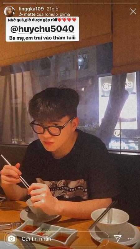 Khoe em trai cuc pham, Linh Ka duoc goi