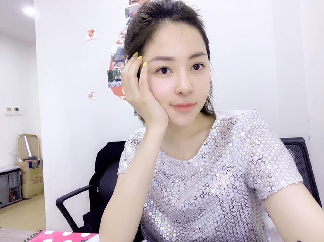 Duoc sieu xe, hot girl Tram Anh vuong tin don cap ke dai gia-Hinh-12